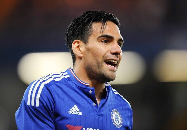 Chelsea insiste pour un retour express de Falcao à Monaco