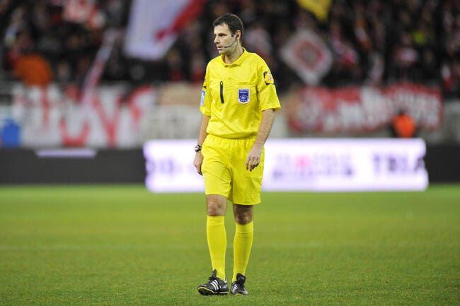 Alexandre Castro réalise une expulsion historique en Ligue 2