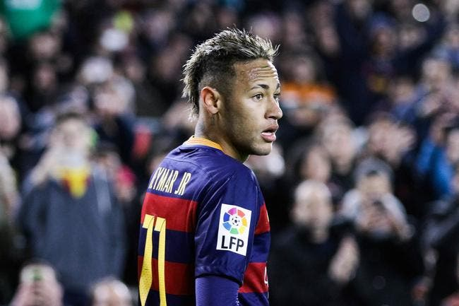 Ronaldinho se mêle de la carrière de Neymar