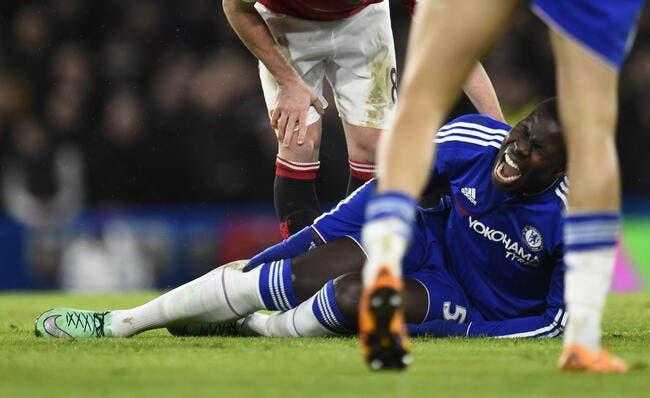 Terrible blessure pour Zouma lors de Chelsea-MU (vidéo)