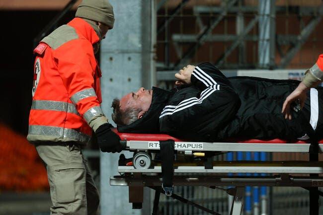 Créteil: Laurent Roussey évacué après un ballon reçu dans la figure