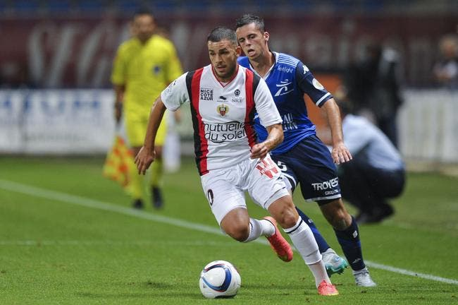 Officiel : Benrahma rejoint Angers en prêt