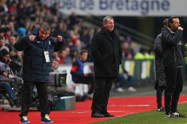 Rennes confirme la venue de Courbis dans le staff