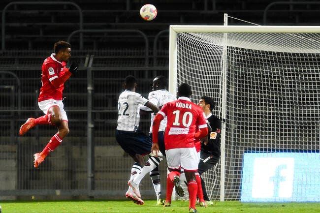 6-2, Nîmes écrase Clermont, Le Havre passe sur le podium