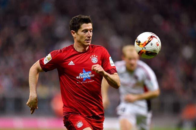 Lewandowski répond à l'intérêt du PSG