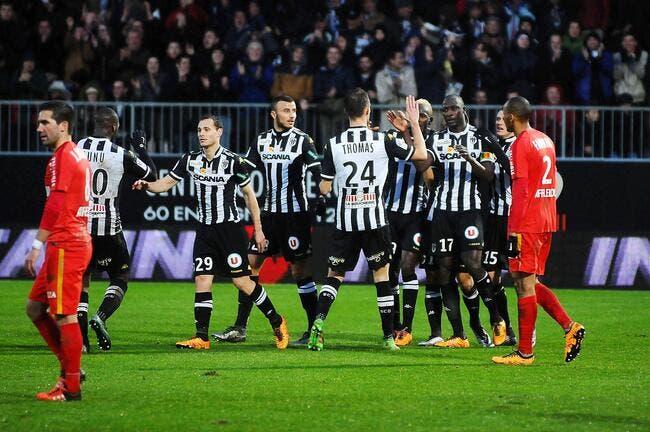 Angers passe à l'attaque et gifle Monaco