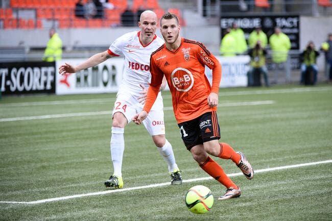 Lorient prête Lavigne à Laval