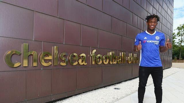 Chelsea : Drogba, Ronaldo, 40 ME… Une grosse pression sur Batshuayi