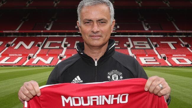 José Mourinho colle un premier taquet à son ami Arsène Wenger