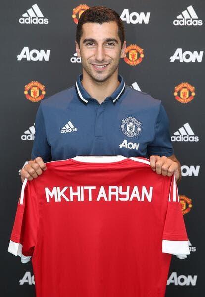 Officiel: Mkhitaryan pour quatre ans à Manchester United