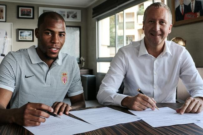 Officiel: Djibril Sidibé signe à Monaco