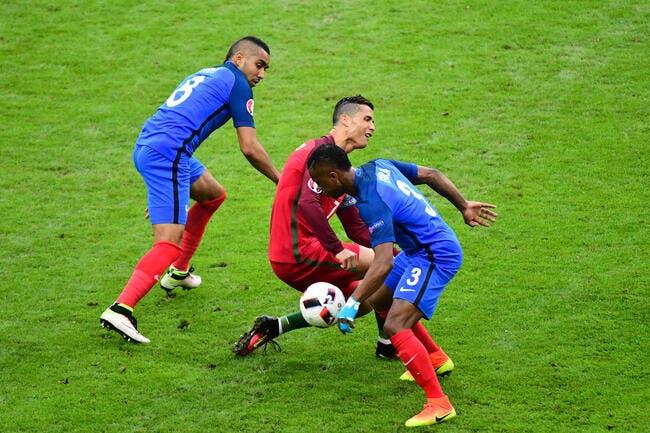 France-Portugal : Cristiano Ronaldo blessé par Payet et remplacé !