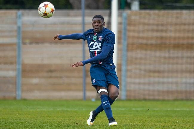 PSG : Un jeune défenseur signe son premier contrat pro