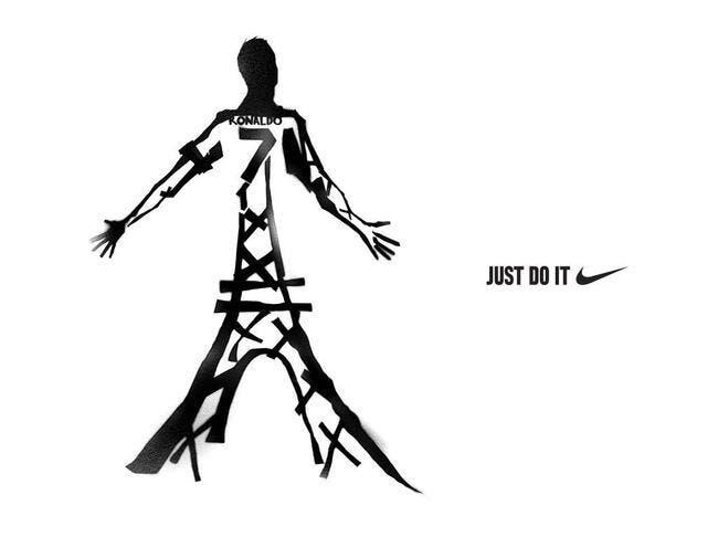 Nike offre la Tour Eiffel à Cristiano Ronaldo