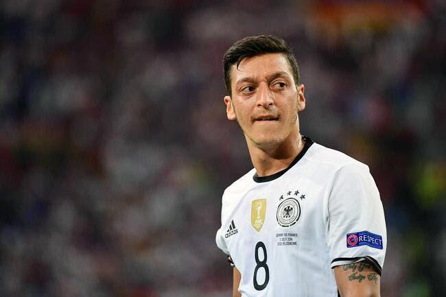 PSG: Quand un club supplie Özil de signer à Paris