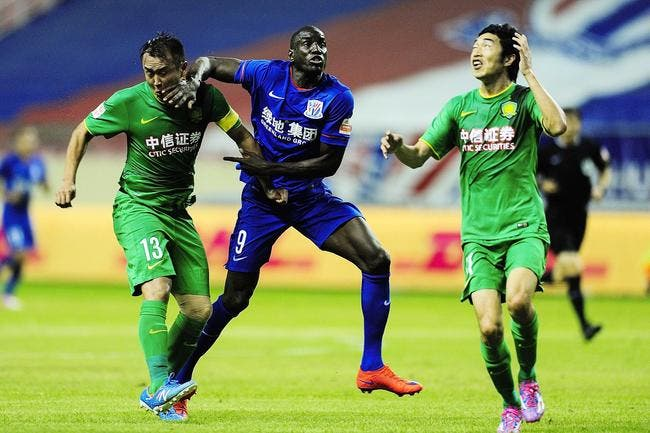 Chine : Demba Ba victime d'une effrayante blessure