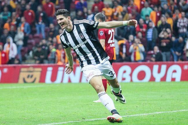Mercato : Mario Gomez quitte Besiktas à cause de la politique