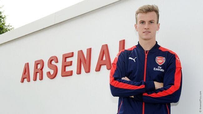 Officiel: Un défenseur anglais débarque à Arsenal pour 3 ME