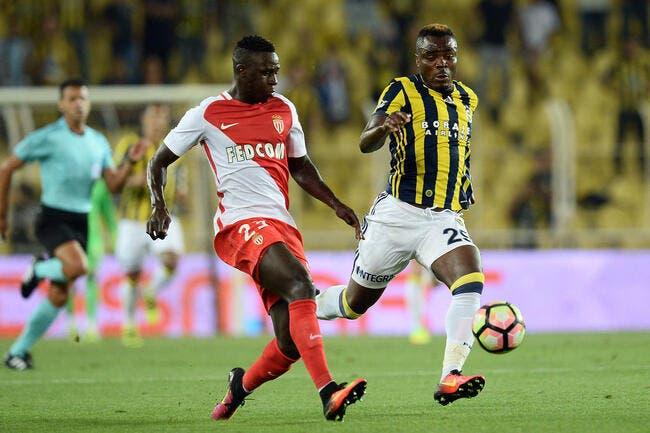 Monaco s'est fait Emenike par Fenerbahçe