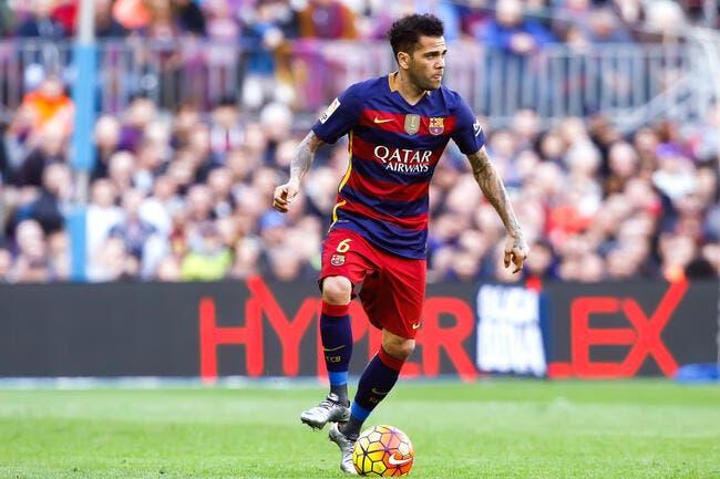 Daniel Alves annonce sa signature à la Juventus