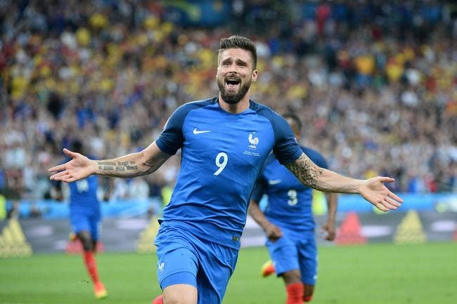 France : Pierre Ménès dévoile son premier attaquant star de l'Euro 2016