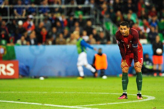 Euro 2016 : Cristiano Ronaldo crache son fiel sur l'Islande