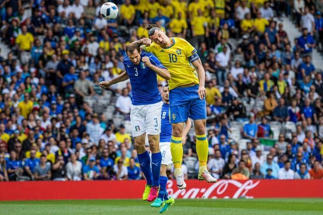 Suède: Muselé par l'Italie, Ibrahimovic l'ouvre encore sur Chiellini
