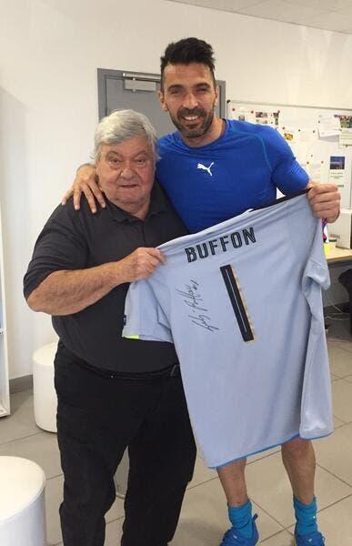 Euro 2016 : Gianluigi Buffon offre un superbe cadeau à Loulou Nicollin