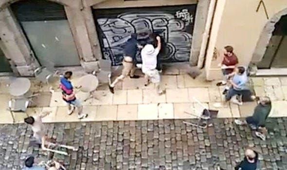 Lyon : Des Ultras lyonnais branchent les Anglais, ils courent encore..