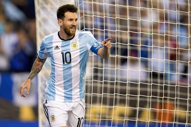 Le coup-franc hors-norme qui offre un record à Messi!
