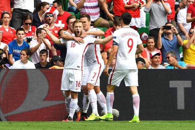 Euro 2016: La Pologne prend le quart de justesse!
