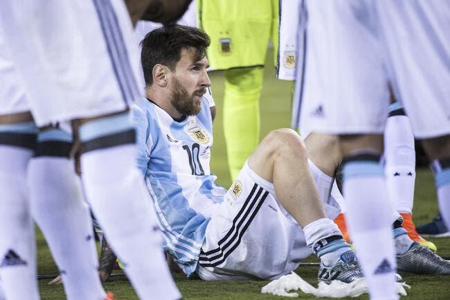 Argentine : Maradona supplie Messi de changer d'avis