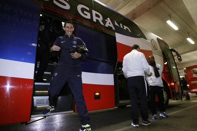 PSG: Les Ultras bloquent le bus parisien