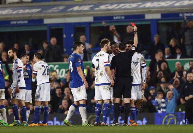 Vidéo : Crachat, morsure, Diego Costa a eu son premier rouge à Chelsea !