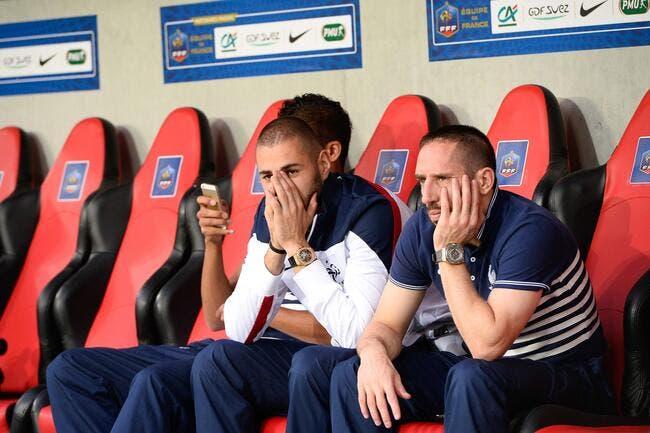 Benzema compte ses cartons, Ribéry tâte le terrain, et Pierre Ménès s'inquiète