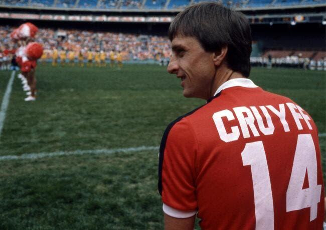 Pays-Bas - France: Un hommage à Cruyff à la 14e minute