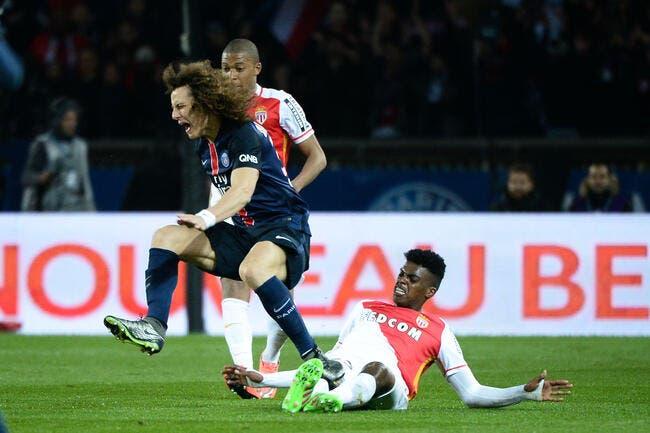 PSG: Pierre Ménès vole au secours d'un défenseur sous les critiques
