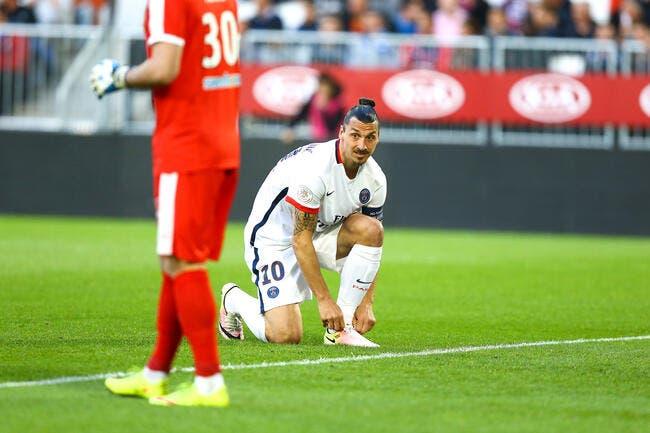 PSG: Le groupe avec Ibrahimovic et Pastore