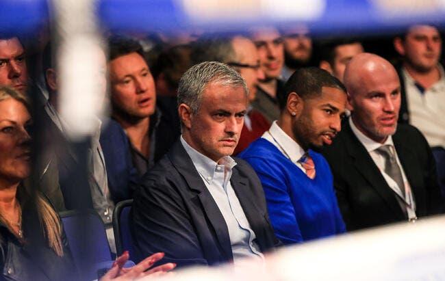 Un premier club anglais approche Mourinho