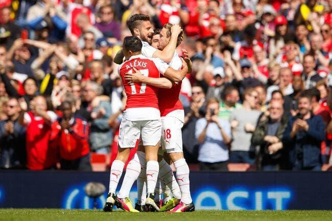 Un triplé de Giroud et Arsenal dépasse Tottenham !