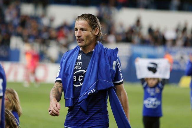 Officiel : Mehdi Mostefa prolonge aussi à Bastia
