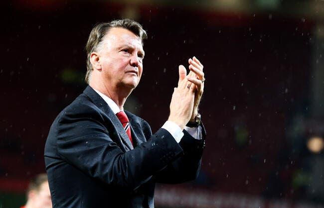 Manchester United confirme le limogeage de Van Gaal