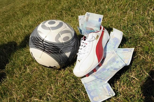 Paris illégaux : 30 joueurs impliqués, le PSG, l'OL et Monaco épargnés