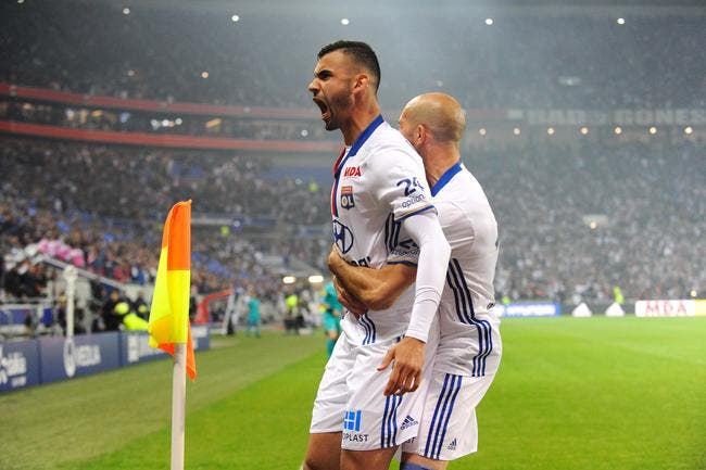 OL : Attention Lyon, la Premier League arrive pour Rachid Ghezzal !