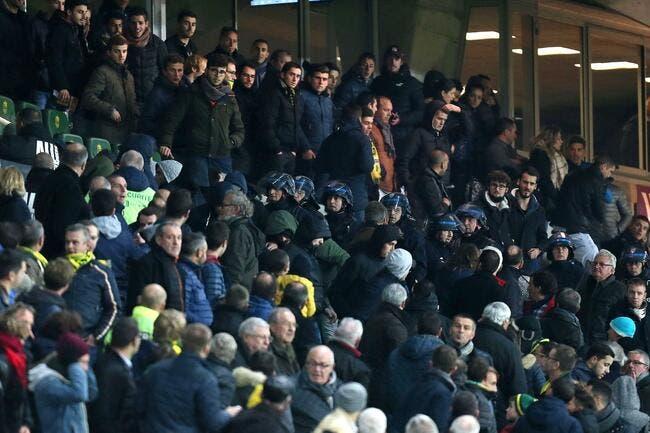 Nantes : Des supporters envahissent la tribune présidentielle, Kita evacué