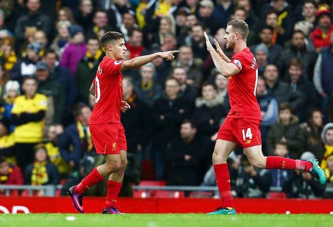 Liverpool cartonne et passe leader!