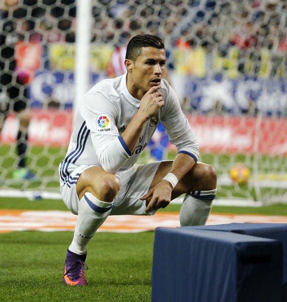 Liga : Zidane décerne le Ballon d'Or à Cristiano Ronaldo
