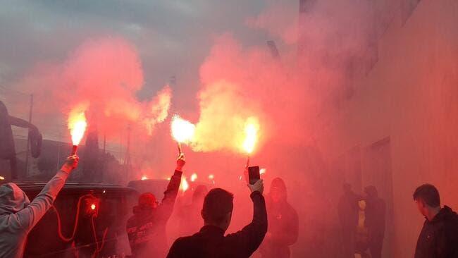 Nice : Interdits à Sainté, les supporters mettent le feu