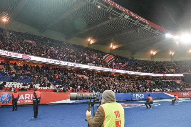 PSG : 50 réfugiés dans les tribunes du Parc des Princes