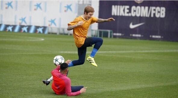 Vidéo : Justin Bieber loin d'être ridicule à l'entrainement du Barça !
